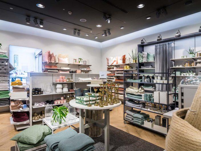 H&M HOME עזריאלי תל אביב עבור קרט ברזילי | צילום אמנון חורש