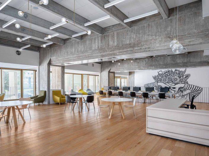 הסלון העירוני בית אריאלה תל אביב | צילום אדריכלות ועיצוב פנים אמנון חורש